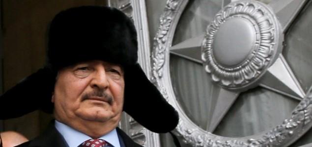 Libijski general Haftar<br> Putinova pustinjska lisica