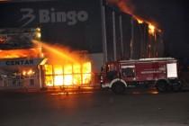 Šteta u desetinama miliona KM: Uništen mostarski Bingo, radno mjesto za više od 100 ljudi