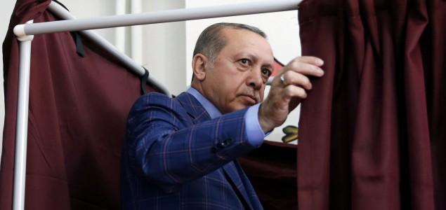 Njemački međunarodni posmatrač: Referendum u Turskoj nije bio ni slobodan ni pošten