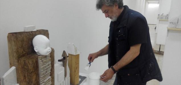 """Otvorenju izložbe skulptura/instalacija """"Od Bagdada do Pariza"""" autora Mensuda Keče"""