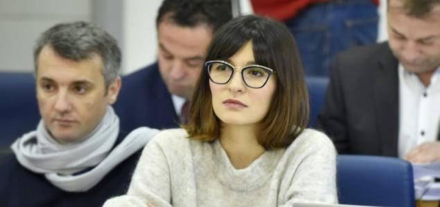 """Sabina Ćudić: Platu premijera Novalića prikupljati """"humanitarnim telefonima"""""""