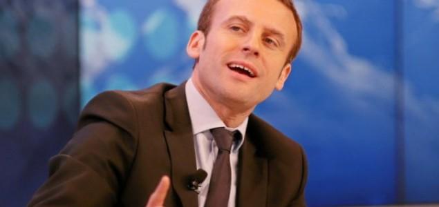 Macronu opala podrška na 54 posto
