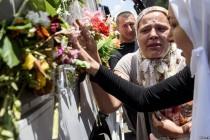 Povorka s posmrtnim ostacima žrtava genocida krenula ka Potočarima