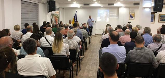 """Promovisana knjiga """"Porodica Kurt iz Mostara"""" autora Ahmeta Kurta"""