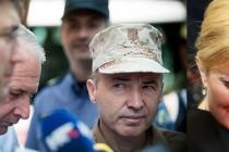 """Dalmacija gori, državni vrh se svađa, a ministar obrane ne zna bi li """"piškio ili kakio""""…"""