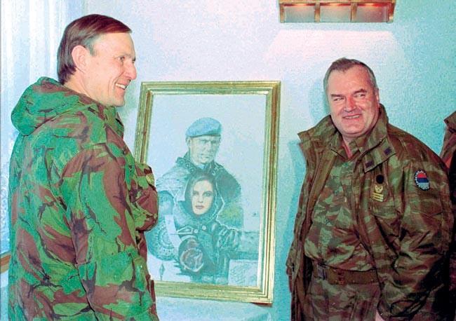 Mladić i Rose Michael u bratskoj razmjeni umjetničkih morbidarija (1)