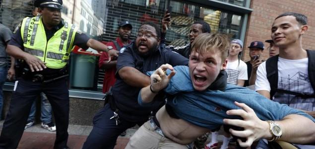 U Bostonu 33 uhapšenih zbog nereda na antirasističkom skupu