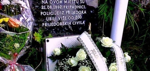 Zločin na Korićanskim stijenama je genocidni akt jer je njime potvrđena genocidna namjera da se potpuno ili djelimično uništi bošnjački i hrvatski narod u Prijedoru