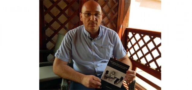 """Promocija knjige """"Uloga svjedoka u dokazivanju krivičnih djela ratnih zločina u Bosni i Hercegovini"""" Sandija Dizdarevića u Mostaru"""