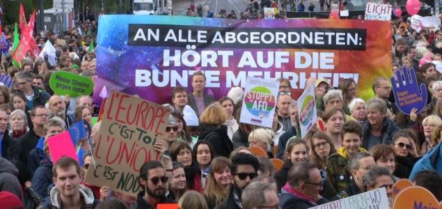 Berlin: Protest protiv kročenja desničara u Bundestag