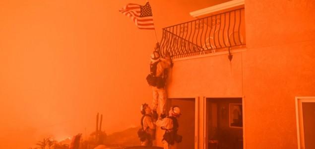 Najmanje deset mrtvih u požarima u Kaliforniji