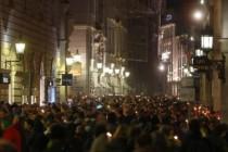 Protiv Slobodarske stranke: U Beču 3000 prosvjednika u svijetlećem lancu protiv ekstremne desnice