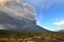 Indonezija: Evakuacija 100.000 ljudi zbog vulkana