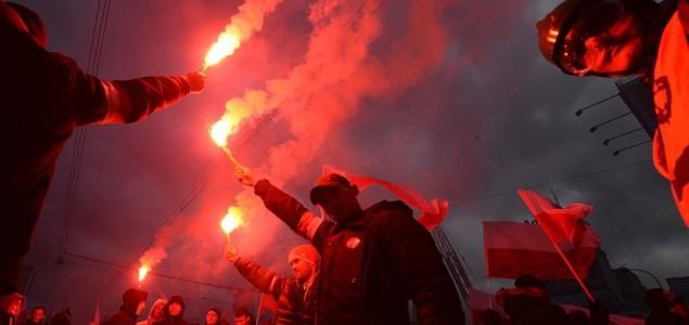 Poljski nacionalisti marširaju kroz Varšavu