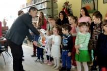 Podjela novogodišnjih paketića za učenike, štićenike i djecu sa posebnim potrebama