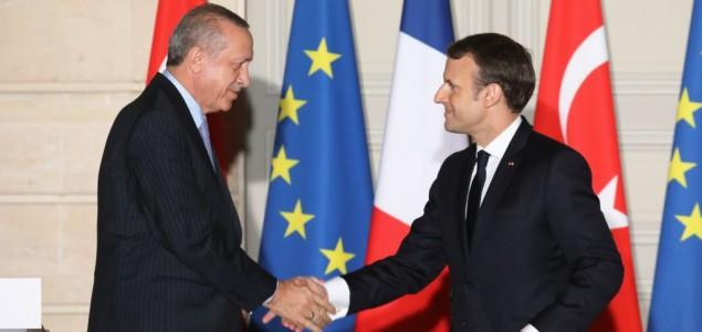 Makron Erdoganu: Nužna je vladavina prava