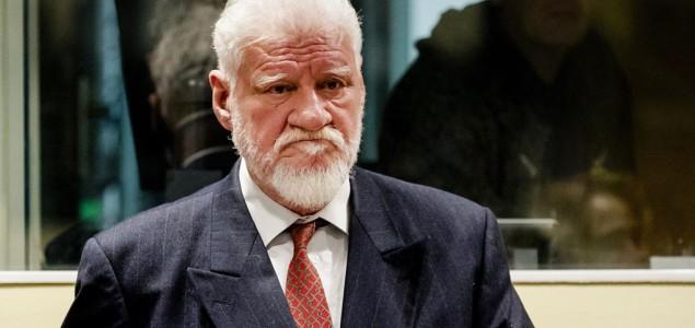Veličanstven potez igrača FK Zvijezda 09: Napustiliteren Pecare zbog fotografije ratnog zločincaSlobodana Praljka