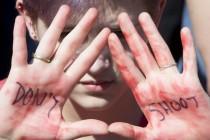 SAD: Protesti učenika, traže strožije kontrole oružja