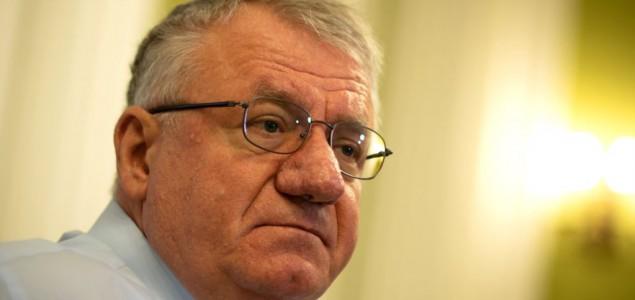 Srbija podeljena: Šta sa poslanikom i ratnim zločincem Šešeljom?