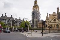 U Londonu postavljene zelene klupe koje upijaju smog
