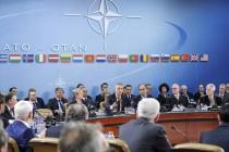 Stoltenberg: Makedoniji poziv u NATO kada riješi spor o imenu