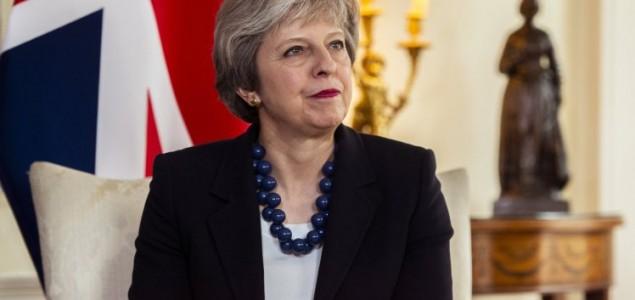 Theresa May sazvala hitan sastanak zbog moguće vojne intervencije u Siriji