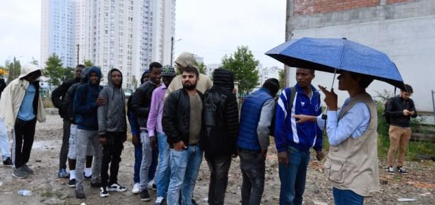Pariška policija uklanja improvizirani migrantski kamp