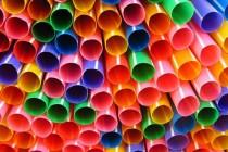 Plastične slamke i štapići za uši mogli bi biti zabranjeni u Engleskoj iduće godine