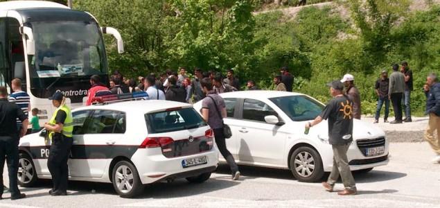 Konvoju s migrantima konačno odobren odlazak u Izbjeglički centar Salakovac