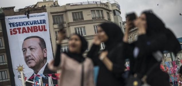 Turska ukida vanredno stanje