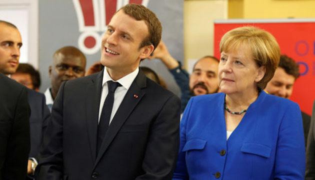Emmanuel Macron i Angela Merkel (1)