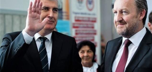 """DODIK, ČOVIĆ I IZETBEGOVIĆ POVELI """"BAL VAMPIRA"""": Od političkih oligarhija državu brane novinari"""