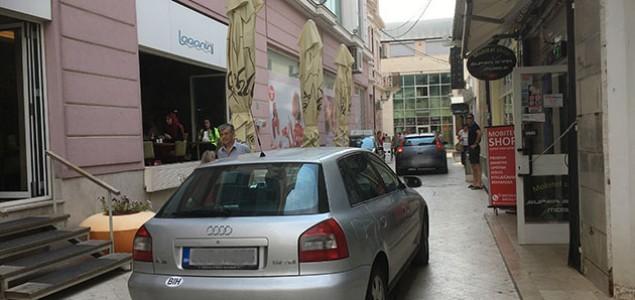 Građani Mostara ogorčeni, životi pješaka ugroženi