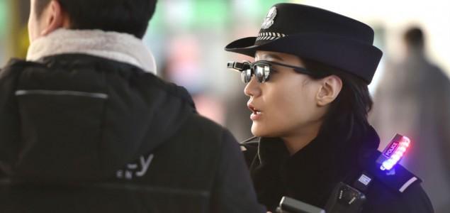 Kina: Vozilo uletelo među ljude, najmanje 11 mrtvih