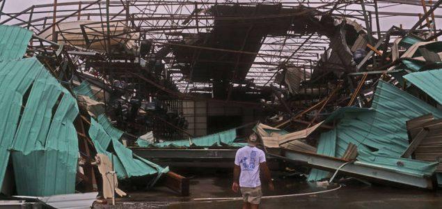 Uragan Michael odnio prvu žrtvu, bez struje stotine hiljada ljudi
