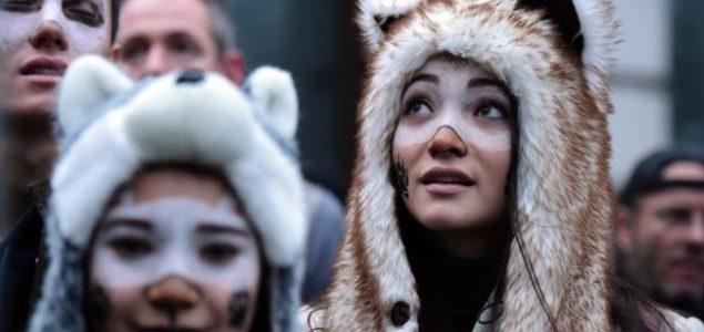 Ekološki demonstranti blokirali pet londonskih mostova