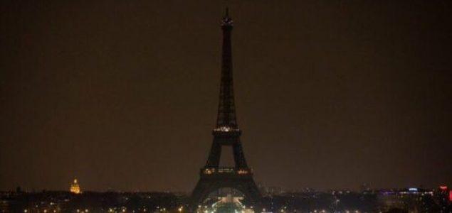 Eiffelov toranj u mraku zbog ubijenih novinara