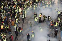 Francuska: Oko 43.000 ljudi ostalo bez posla zbog protesta Žutih prsluka