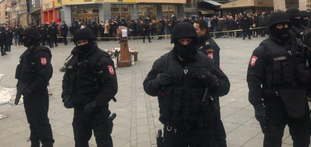 Brutalnost policije, zločinaca i narko kartela