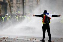 Neprijateljska propaganda: Žuti prsluk, bijela bunda