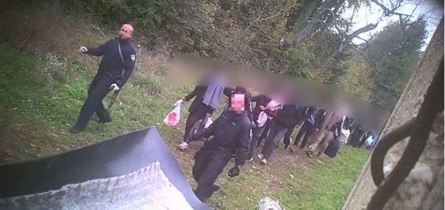 Tajno snimali hrvatske policajce: Naoružani nezakonito protjeruju migrante