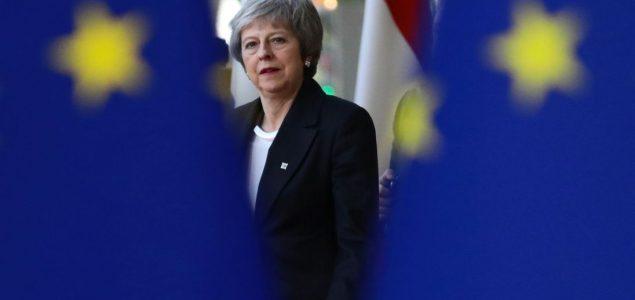 Theresa May odlazi!