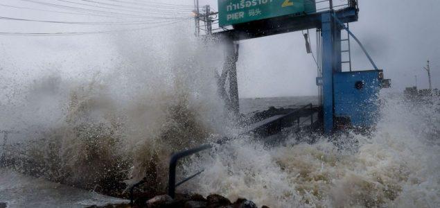 Tajland: Evakuisano 30.000 ljudi zbog poplava nakon tropske oluje