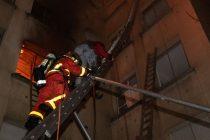 Žena uhapšena pod sumnjom da je izazvala požar u zgradi u Parizu