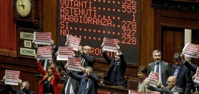 Italija želi omogućiti građanima da parlamentu predlažu zakone