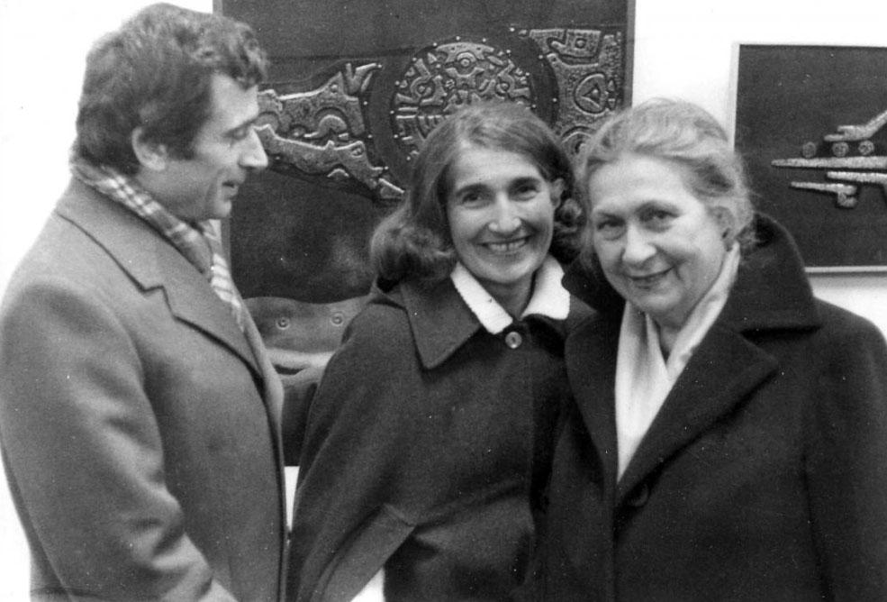 Prof. dr Mirko Skakić i profesorke Vojka Vasiljević i Marija Mujezinović, supruga slikara Ismeta Mujezinovića