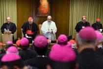 Papa traži nemoguće, da biskupi progone sami sebe