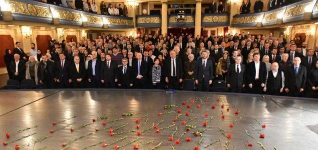 Bogićević odao počast žrtvama opsade: Bolji život će doći kada budemo bolji ljudi
