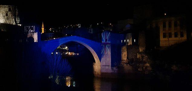 Stari most u bojama zastave Novog Zelanda kao počast žrtvama napada na džamije