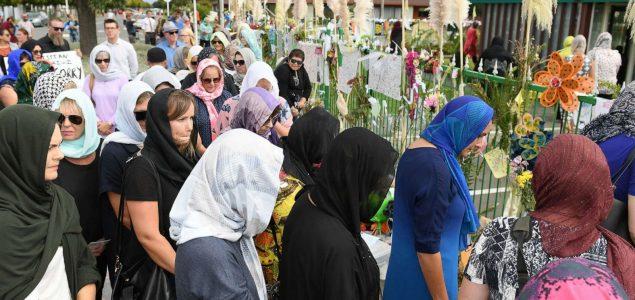 Žene širom Novog Zelanda iz solidarnosti s muslimankama nosile marame